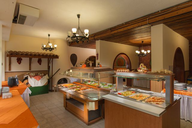 Hotel Preslav - Food and dining