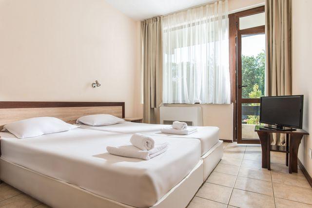 Hotel Preslav - Prodična soba